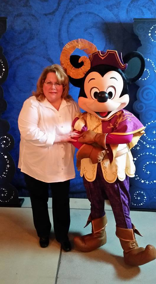 Cathi Maziarz | Big Beautiful World Travel | Disney Travel Agent Cathi Maziarz