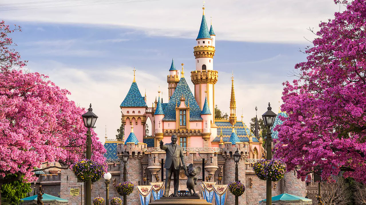 Disneyland Castle | Big Beautiful World Travel | Disney Travel Agent Cathi Maziarz