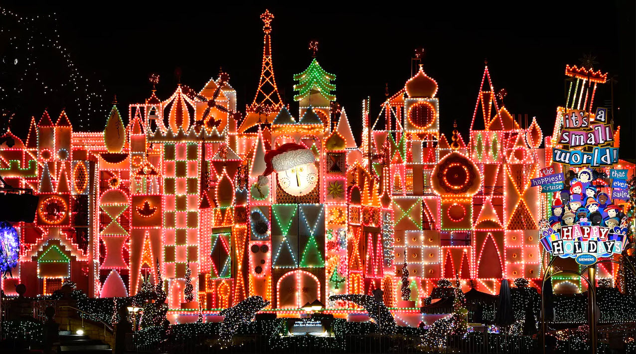 Holiday Time at Disneyland | Big Beautiful World Travel | Disney Travel Agent Cathi Maziarz