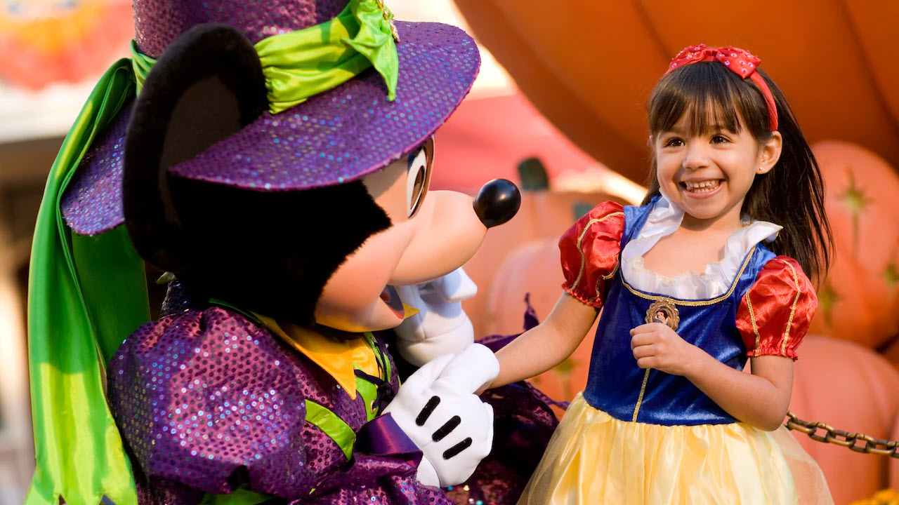 Mickey's Halloween Party | Big Beautiful World Travel | Disney Travel Agent Cathi Maziarz